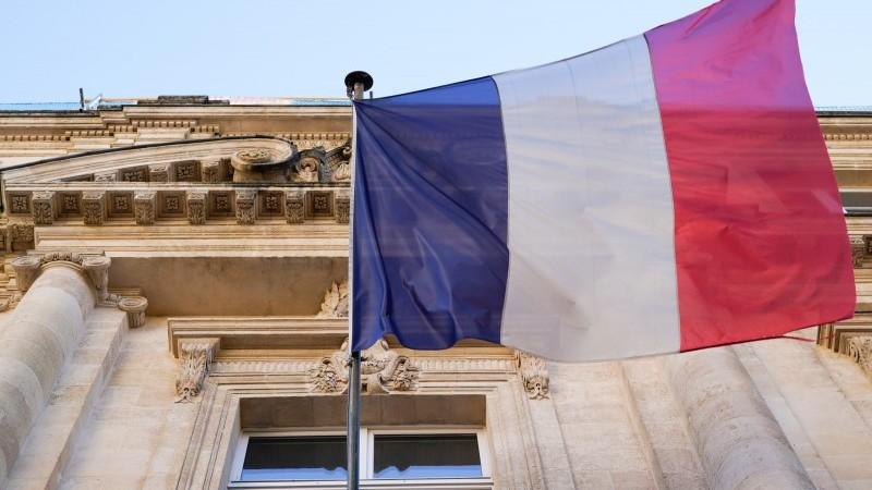 En France, la crise croissante rend la reprise incertaine
